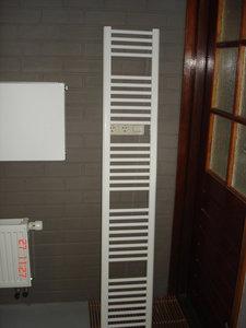 Design radiator in het wit 185 cm hoog x 30 cm breed met for Ladenblok 30 cm breed