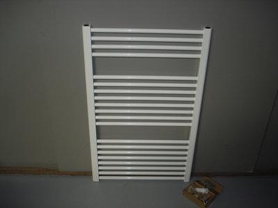 Design radiator in het wit 75 cm breed x 95 cm hoog met 758 Watt
